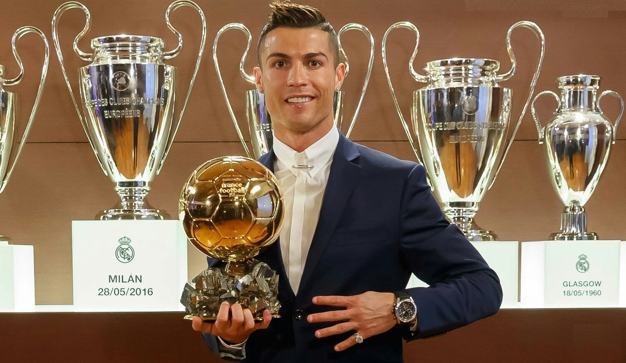 Ronaldo beats Messi to win Ballon d'Or