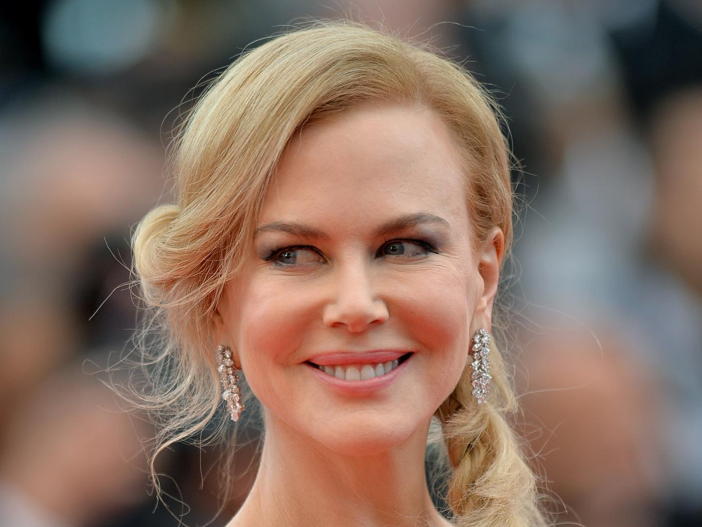 Nicole Kidman clarifies comments in support of Donald Trump