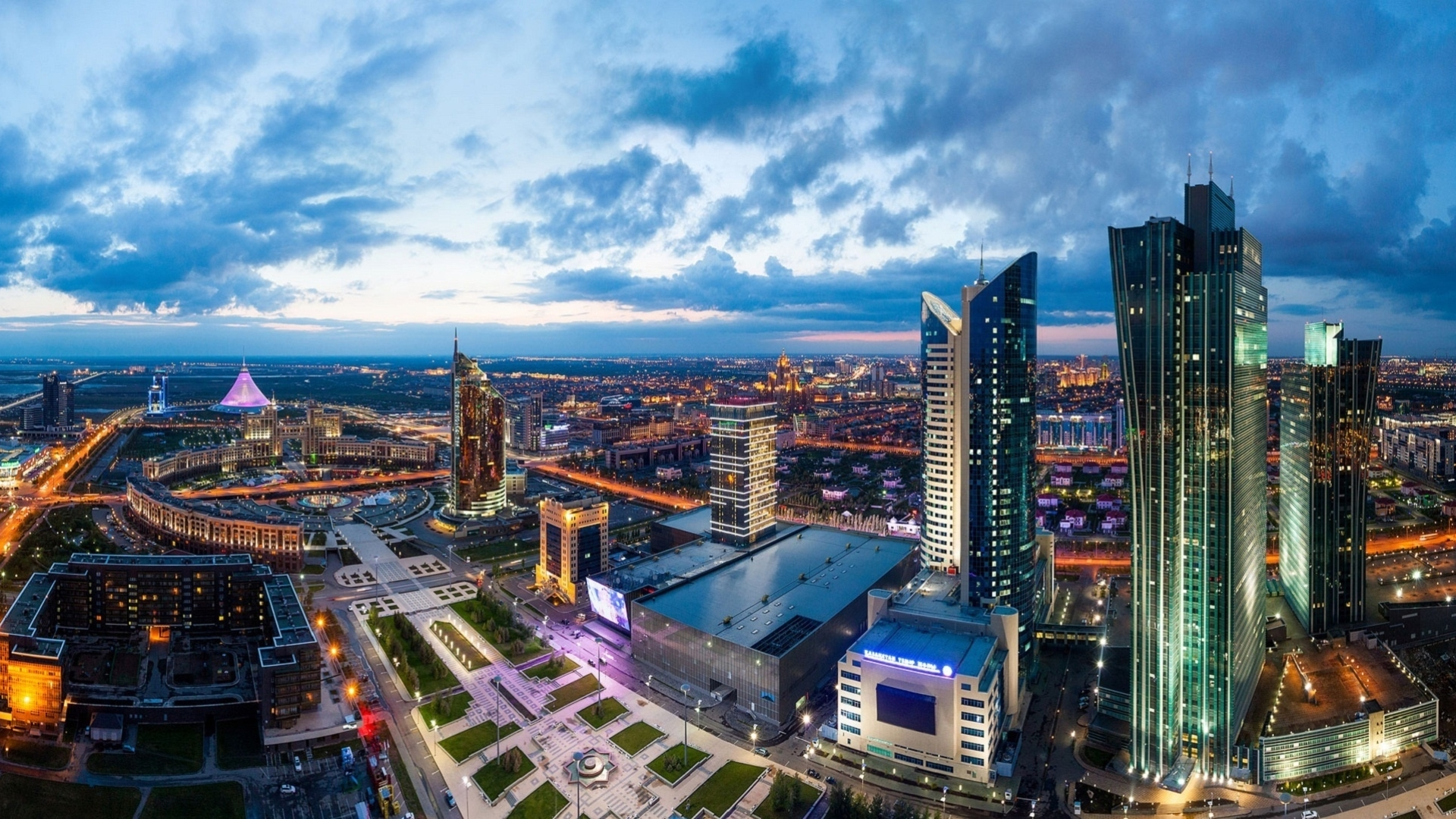 Foreign experts on Kazakhstan's economic achievements