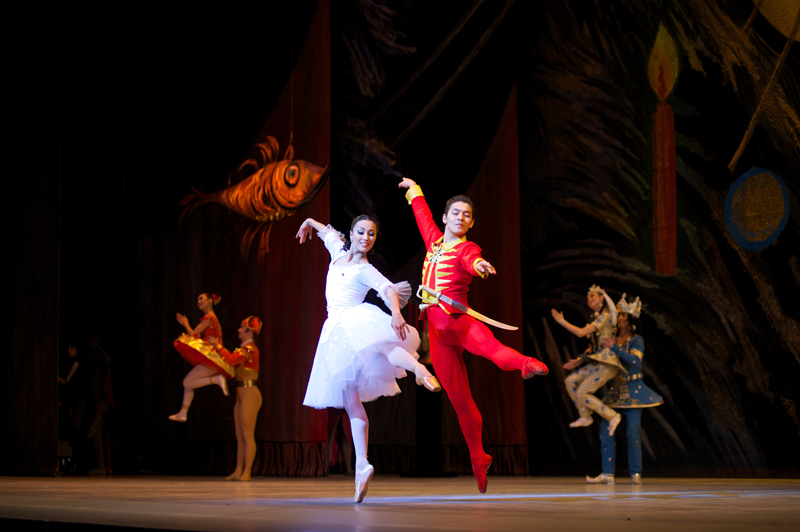 Kazakh ballet wins audience's hearts in Oman