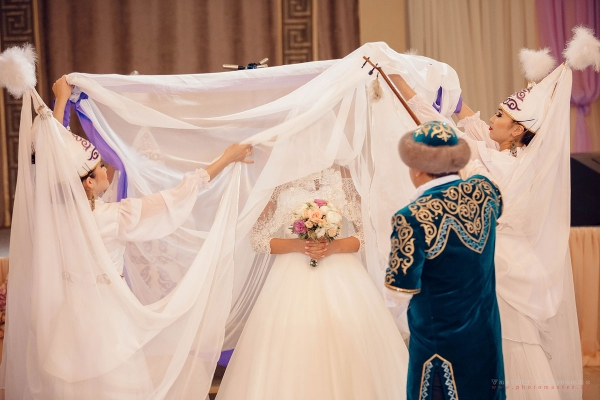 British public learned about Kazakh culture and traditions