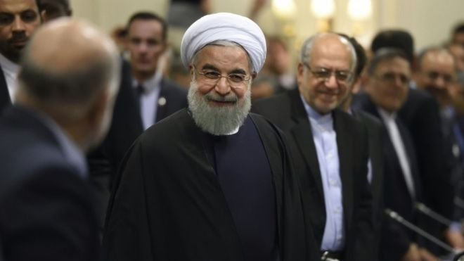 Rouhani arrives in Paris as Iran drums up business with France