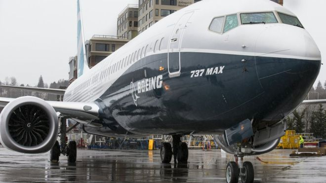 Boeing halts test flight of new plane