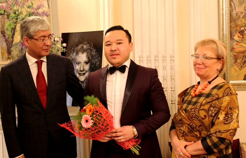 Moscow hosted a solo concert by Kazakh singer Kuat Bagisbekov