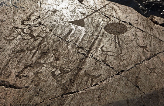 Following footsteps of petroglyphs