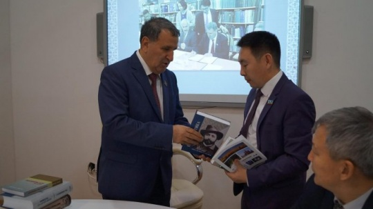 Anthology of new Kazakh poetry was presented in Baku