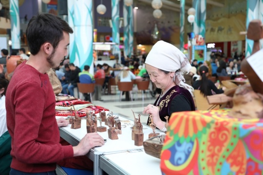 ARTS AND CRAFTS FAIR HELD IN ASTANA