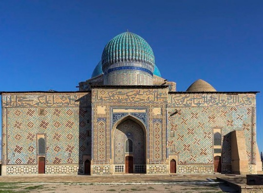 Chinese and Uzbek archeologists are studying the historical sites of Central Asia